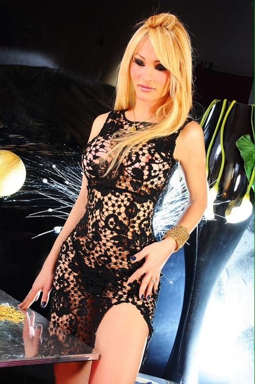 Lolita Barby foto trans 7